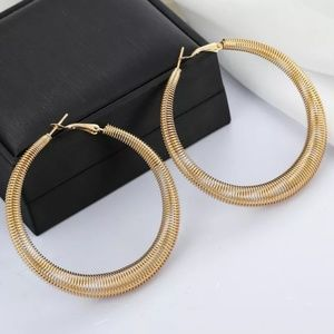 Gold Spring Textured Simple Round Hoop Earrings